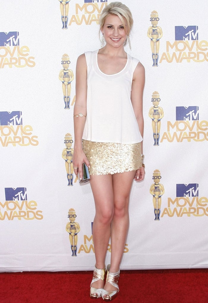 Chelsea Staub paired a sequin skirt with a white top at the 2010 MTV Movie Awards