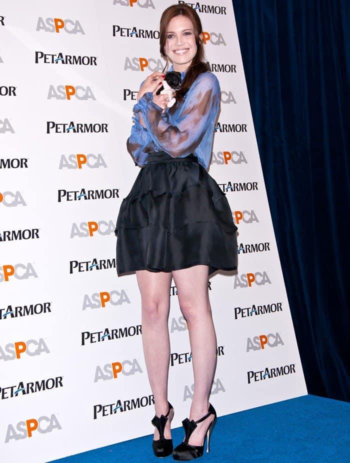 Mandy Moore wearing a Kelly Wearstler Fall 2011 tulip skirt