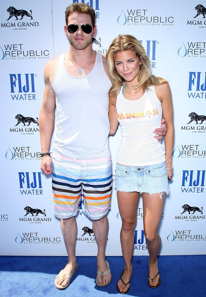Kellan Lutz and AnnaLynne McCord started dating in early 2009 and broke up in late 2010