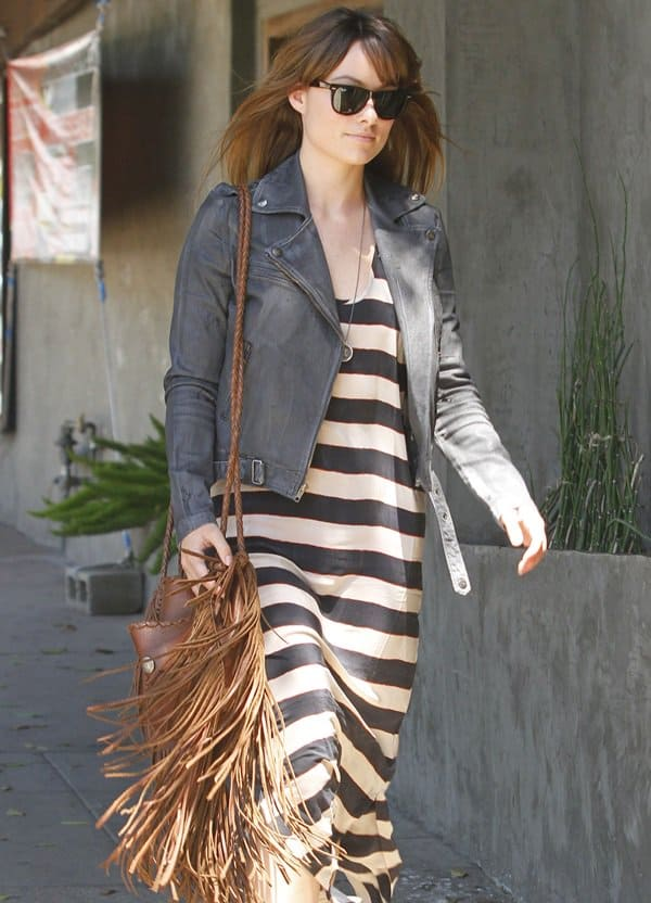 Olivia Wilde looking extremely casual while out for lunch in Los Angeles