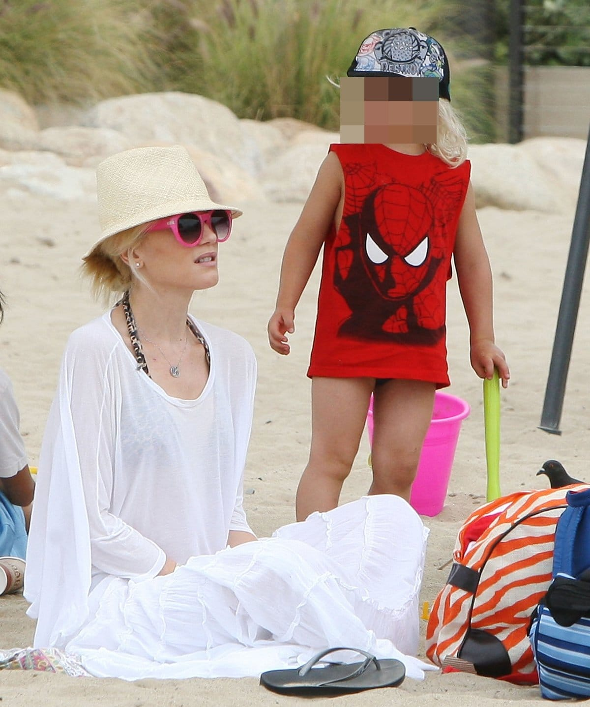 Gwen Stefani and Zuma Rossdale enjoy the day on Santa Monica Beach in Los Angeles