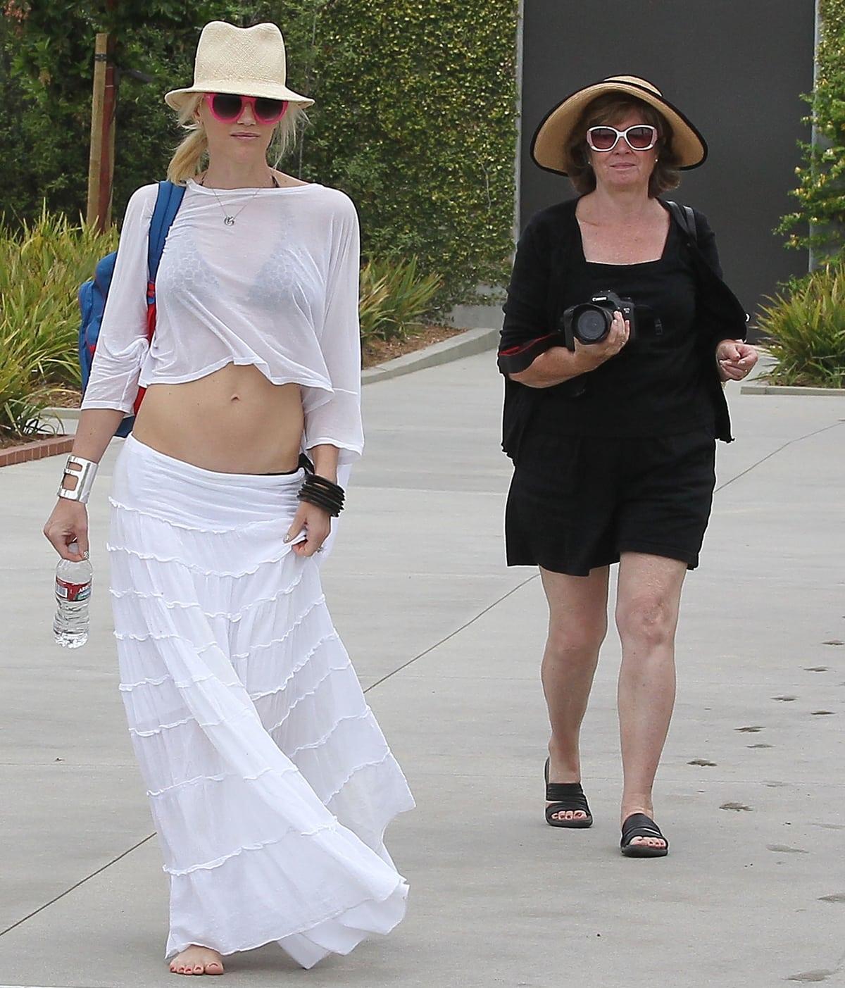 Patti Flynn with her daughter Gwen Stefani in Santa Monica