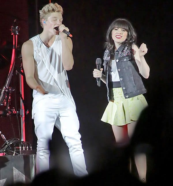 Cody Simpson and Carly Rae Jepsen performing at the Manchester Arena
