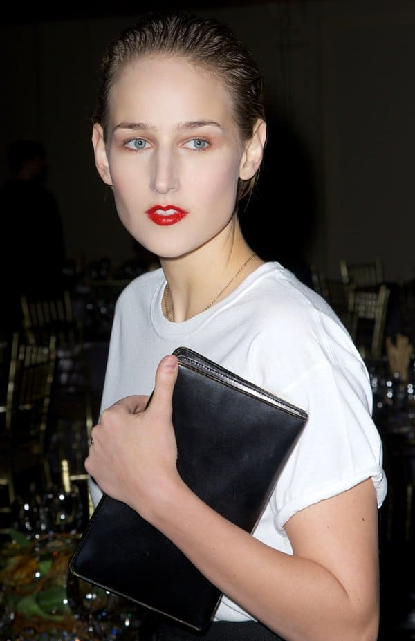 Leelee Sobieski with red lips at the New Museum Spring Gala