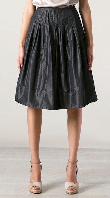 armani-pleated-skirt