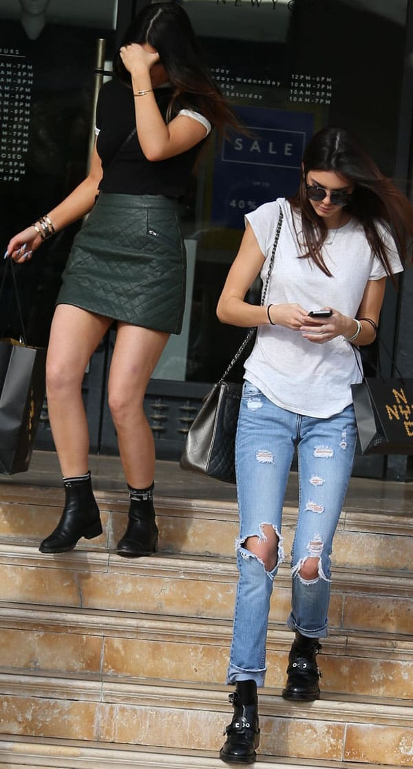 Kylie and Kendall Jenner Christmas shopping