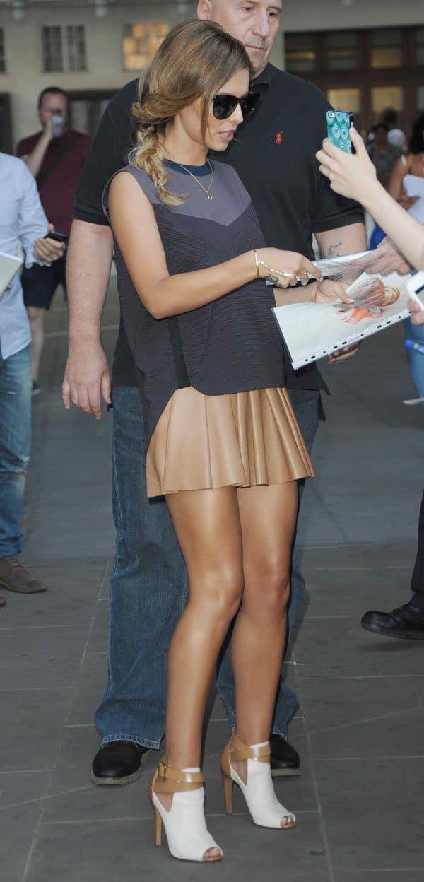 Cheryl Cole Leaving The Bbc Radio 1 Studios In London On July 24 2014