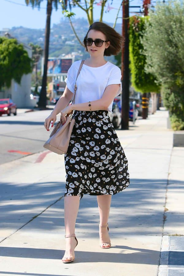 Lily wore a floaty floral midi skirt from Ella Moss with a lovely poppy print