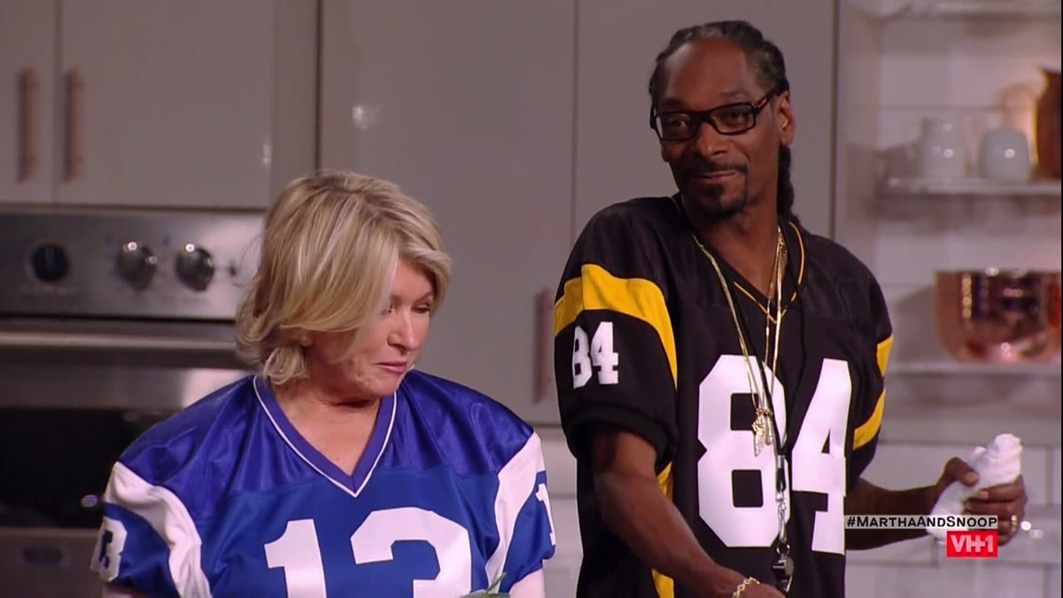 """Snoop Dogg says he's never met anyone like Martha Stewart and that their friendship is """"a natural combination of love, peace, and harmony"""""""