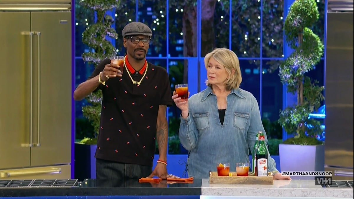 """Martha Stewart and rap icon Snoop Dogg share recipes and host celebrity guests on """"Martha & Snoop's Potluck Dinner Party"""""""